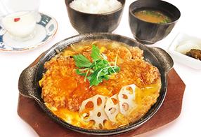 奥久慈卵ロースカツ煮